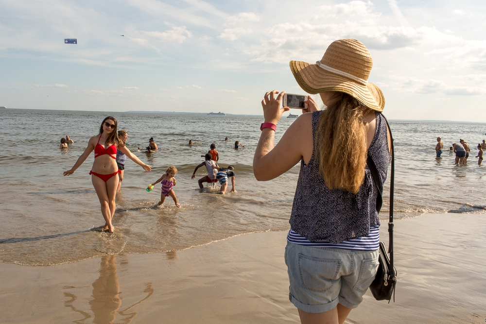 Art and Documentary Photography - Loading Brighton_Beach_2017_-_August_13-26.jpg