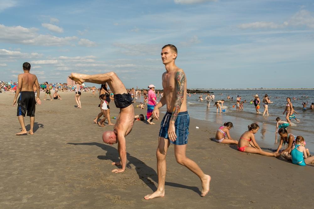 Art and Documentary Photography - Loading Brighton_Beach_2017_-_August_13-31.jpg