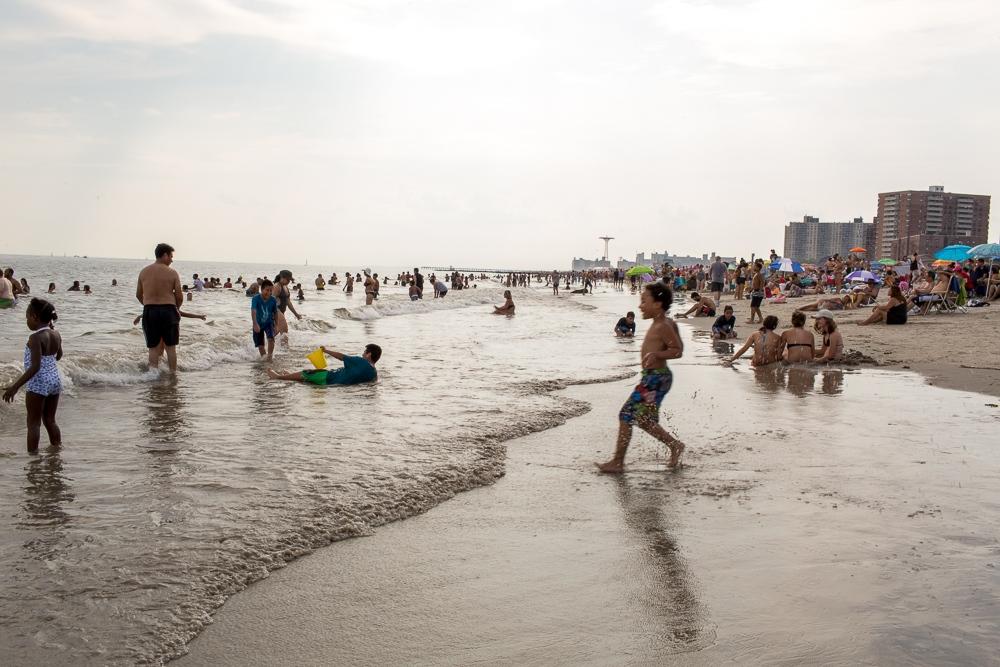 Art and Documentary Photography - Loading Brighton_Beach_2017-142.jpg