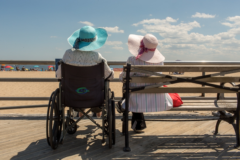 Art and Documentary Photography - Loading Brighton_Beach_2017-1.jpg