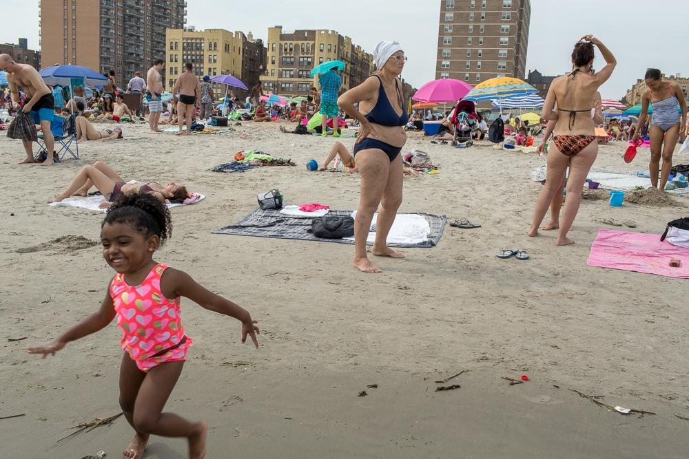 Art and Documentary Photography - Loading Brighton_Beach_2017-37.jpg