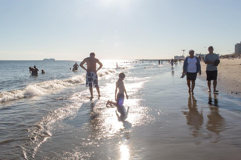 Art and Documentary Photography - Loading Brighton_Beach_2017-76.jpg