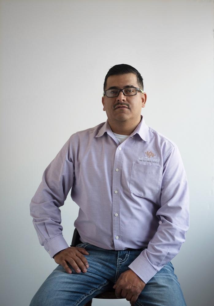 Luis Ramirez, 37, restaurant owner, Columbia, MO, originally from Jesus Maria in Jalisco state, México. Luis Ramirez, 37, dueño de restaurante, Columbia, MO, originalmente de Jesus Maria, Jalisco, México.