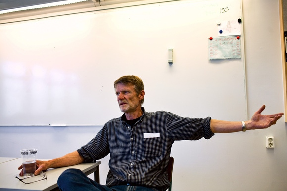 Lars Elborg, veteran school teacher for 35 years in Rosengård, works with newly arrived students to Sweden. He has been working tirelessly to integrate his students through their studies and through internships outside of the Rosengård area.