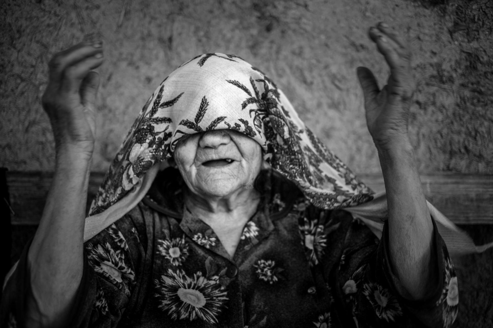 Art and Documentary Photography - Loading Mary-Estes_Moldova_06-01-2017_0271.JPG