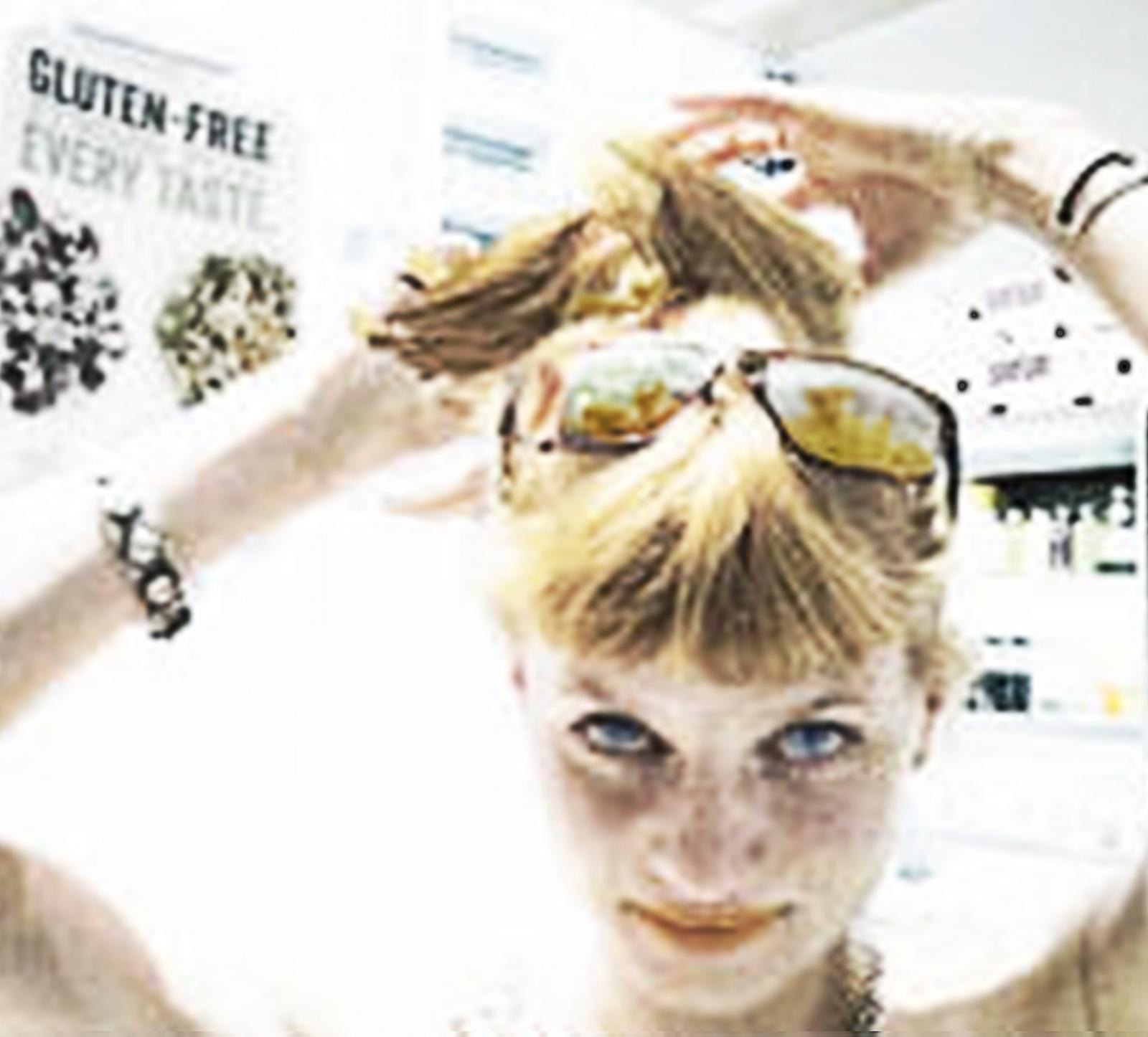 Art and Documentary Photography - Loading kristen_hair.jpg
