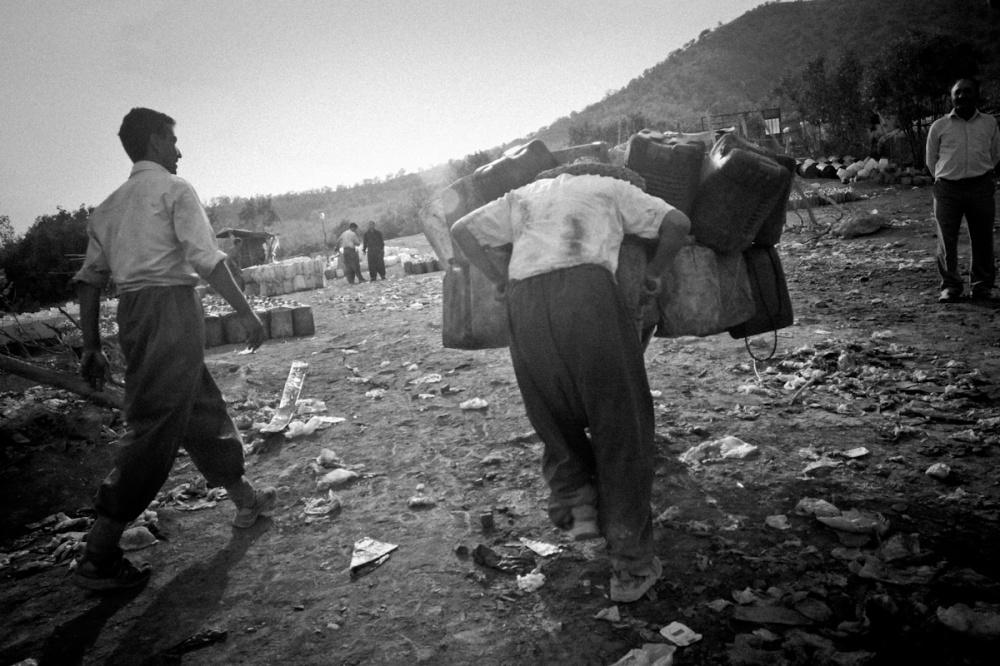 Art and Documentary Photography - Loading Iraq_Visura_14.jpg