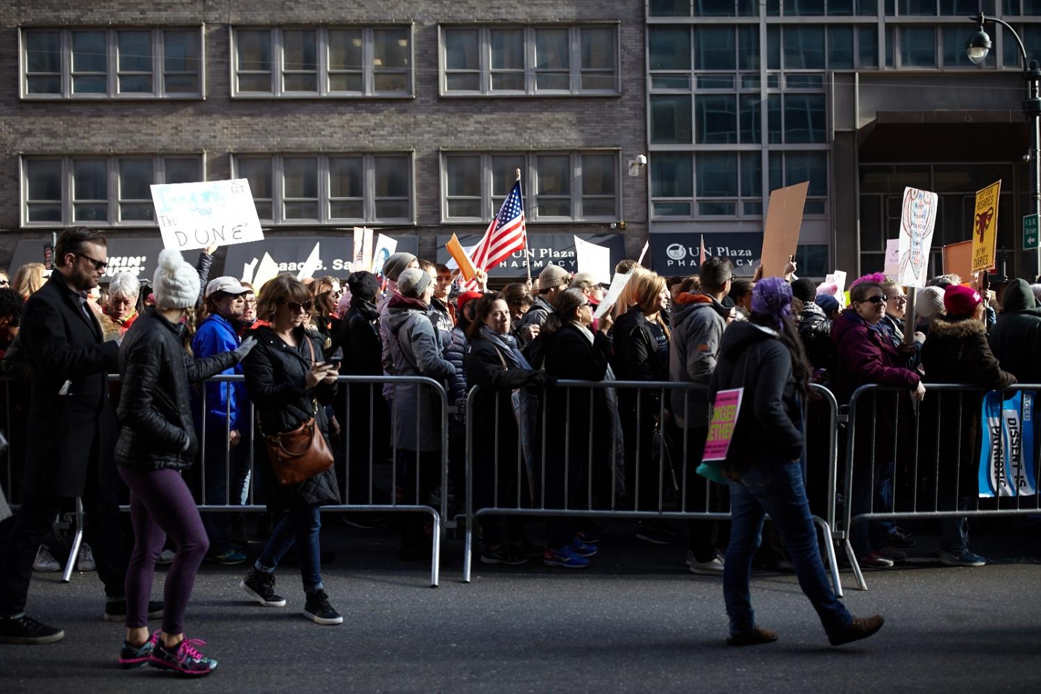 Art and Documentary Photography - Loading jose-alvarado-170121-WomensMarchOnNYC_025.jpg