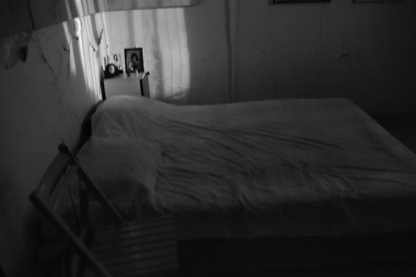 Art and Documentary Photography - Loading bed.jpg