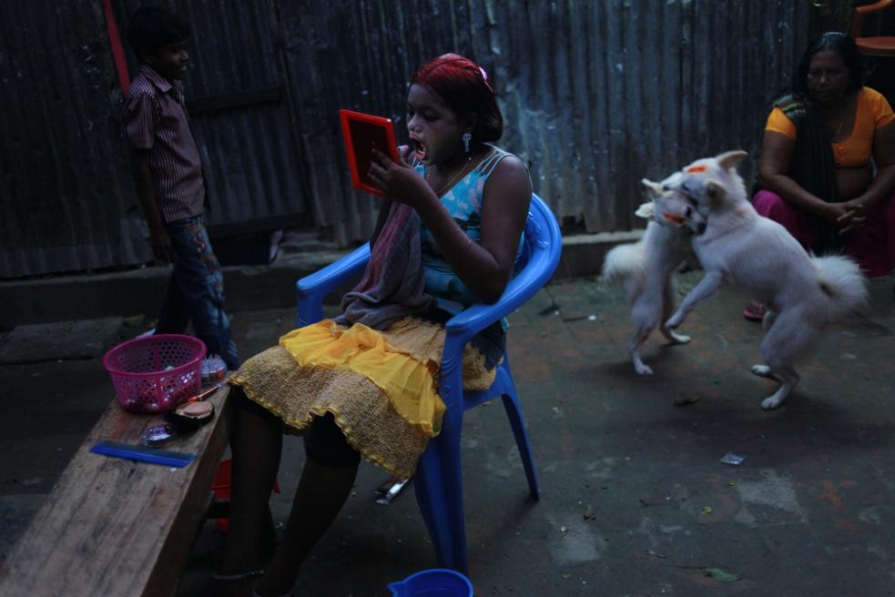 Art and Documentary Photography - Loading IMG_0395.JPG