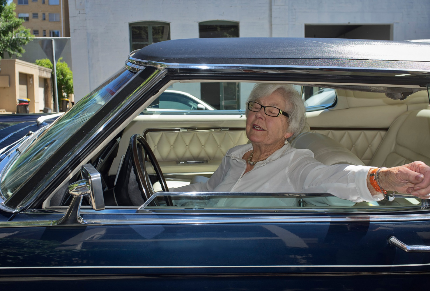 Art and Documentary Photography - Loading car.jpg