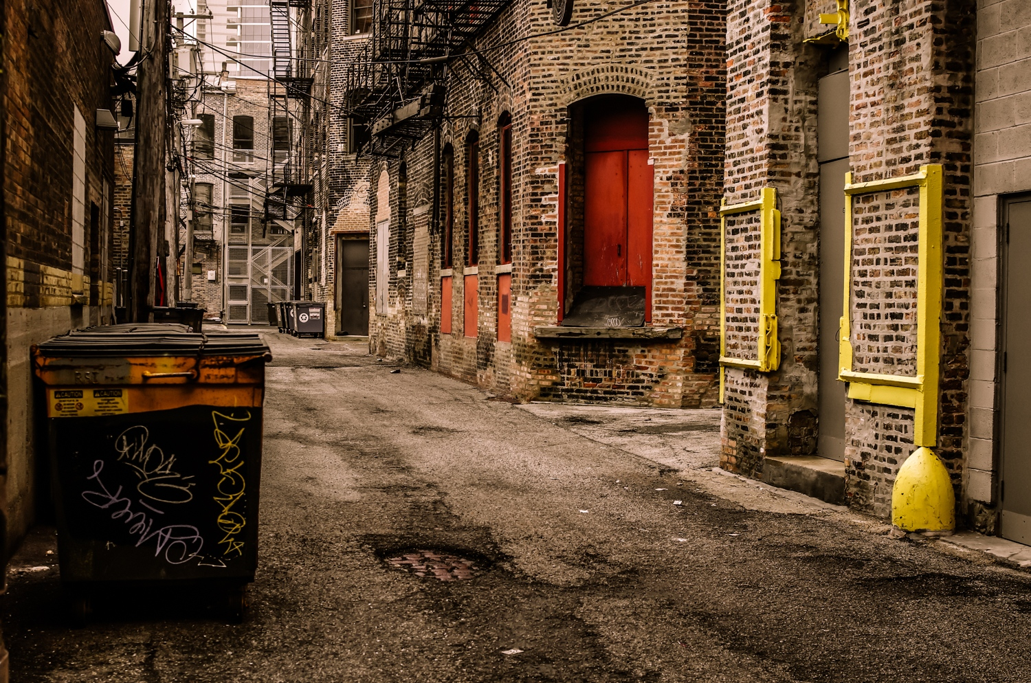 Art and Documentary Photography - Loading -The_Street_as_Graphic_Novel__River_North_Alley__Chicago_2018.jpg