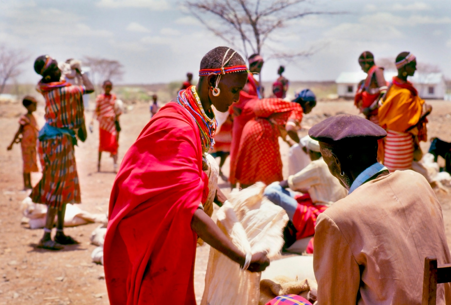 Art and Documentary Photography - Loading maasaiaid.jpg