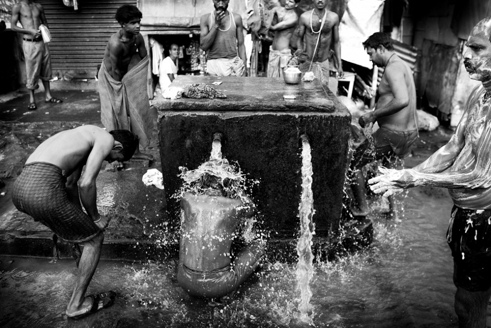 Art and Documentary Photography - Loading india_f.jpg