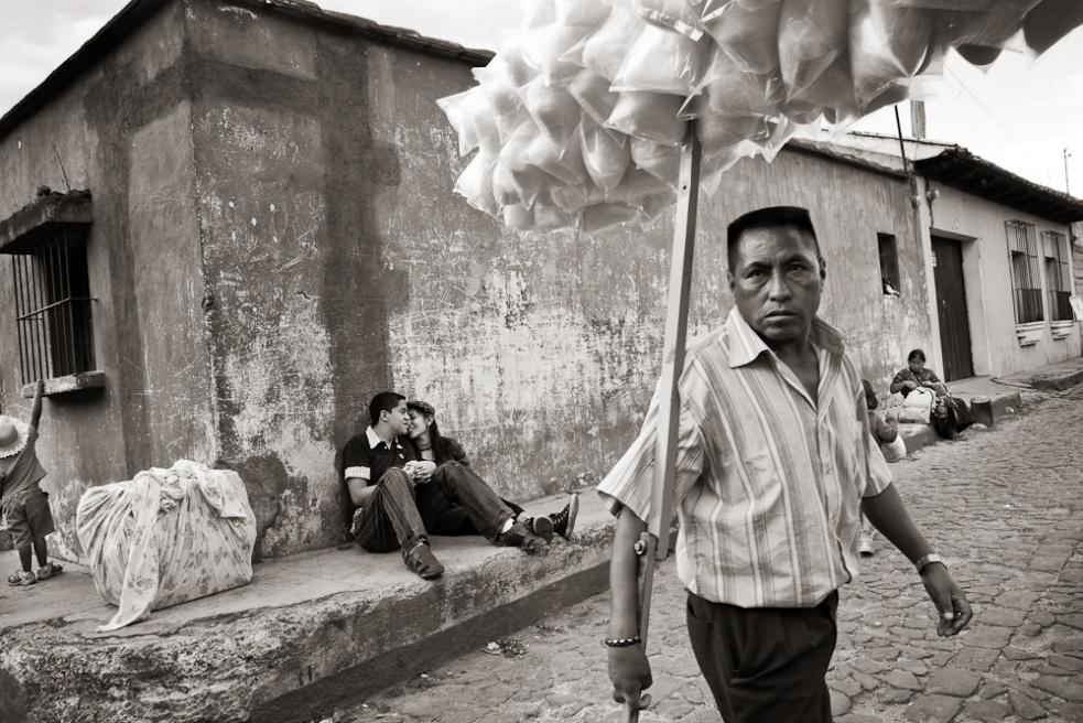 Art and Documentary Photography - Loading Guatemala01.jpg