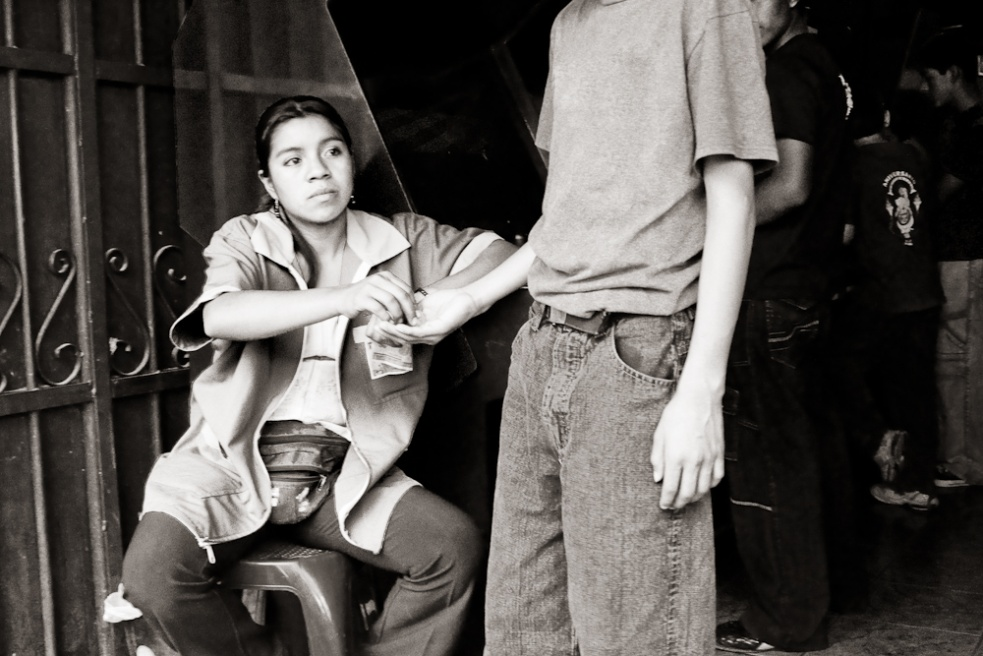 Art and Documentary Photography - Loading Guatemala03.jpg