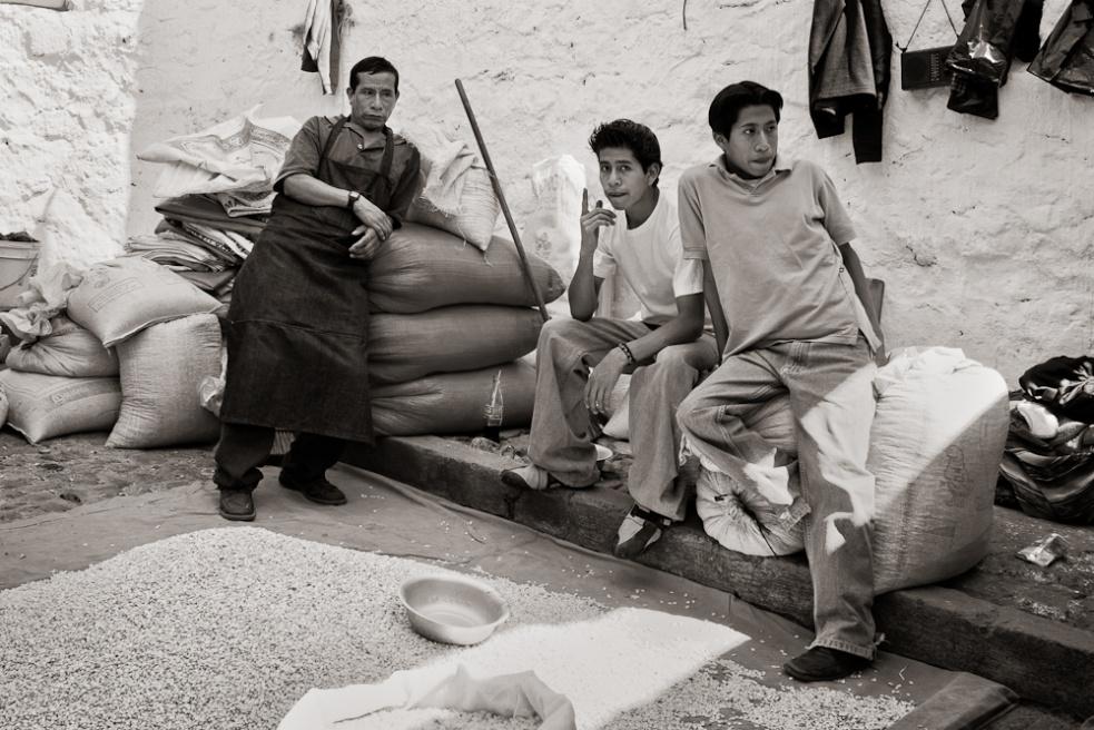Art and Documentary Photography - Loading Guatemala05.jpg