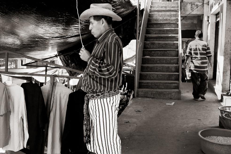 Art and Documentary Photography - Loading Guatemala09.jpg