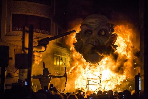 Fallas: Burn it all down