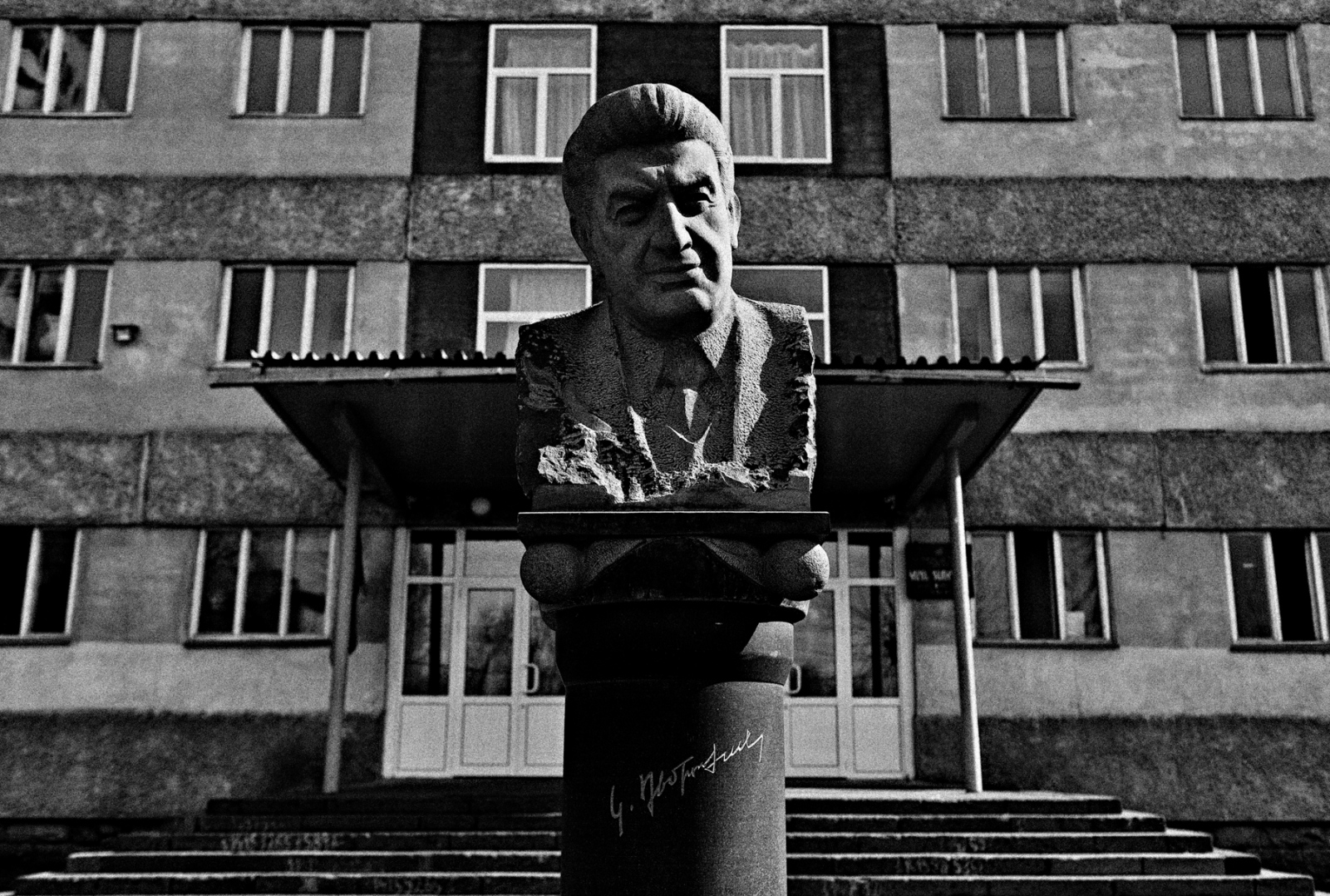 The Statute of Karen Demerchyan greets visitors to High School No. 139 named after Karen Demerchyan. Demerchyan was the first Secretary of the Armenian Soviet Socialist Republic from 1974 to 1988. After Armenia's independence in 1999 he became the first President of the National Assembly until his assassination on October 27, 1999.