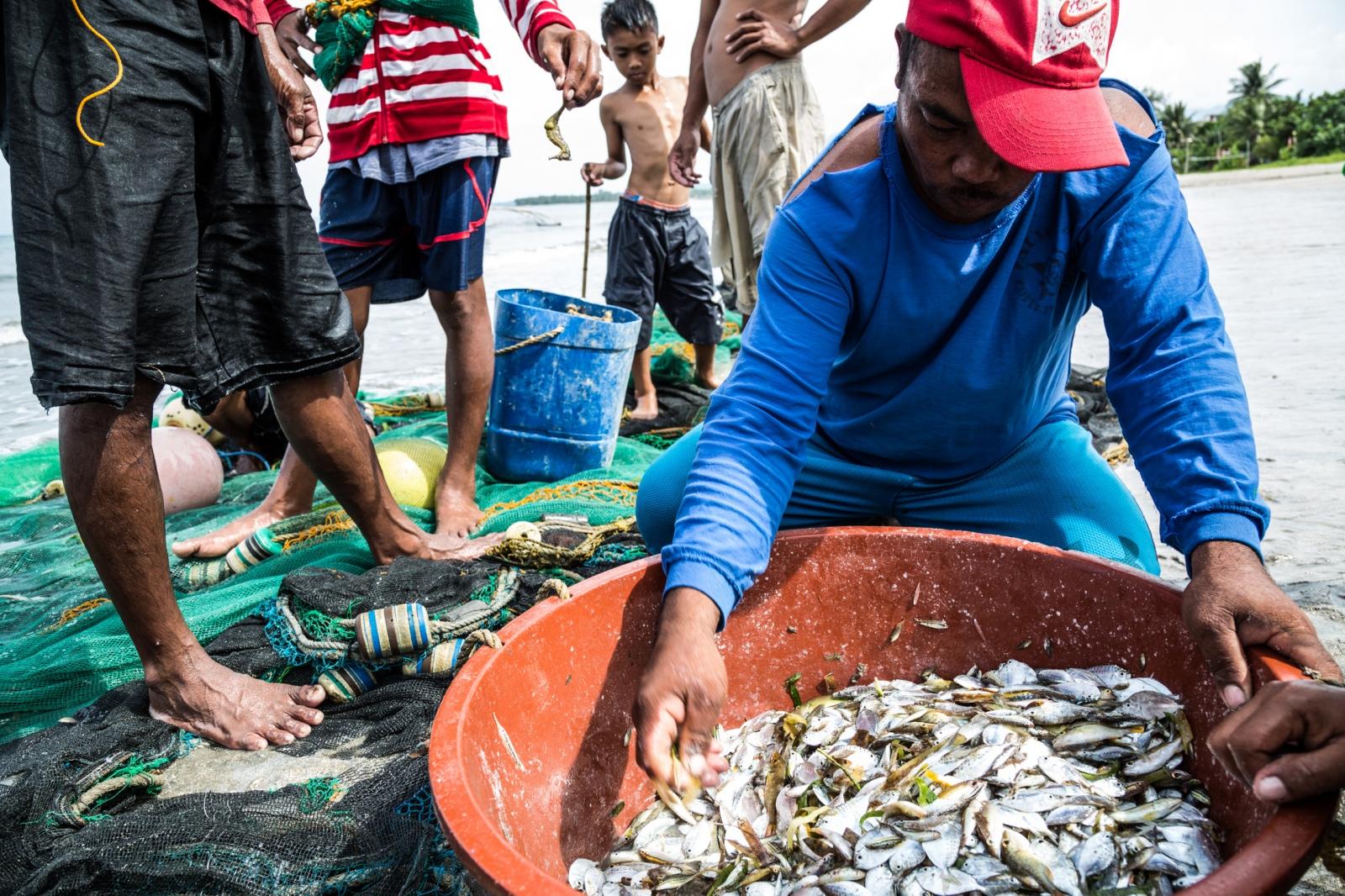 Fisherman.Mangcamagong, Philippines.