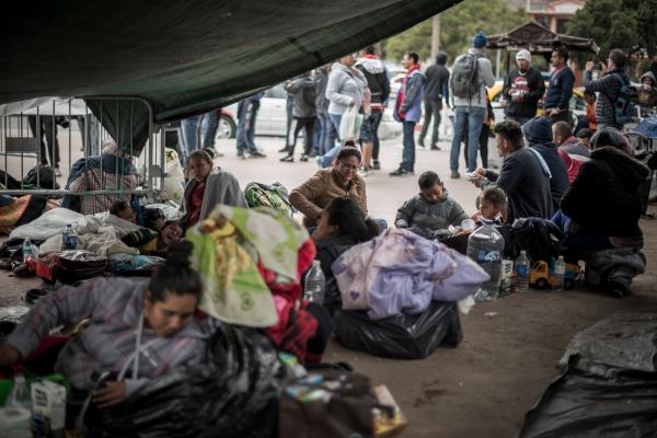 Migrant Caravan In Tijuana, Mexico - Photography project by Scott Bennett