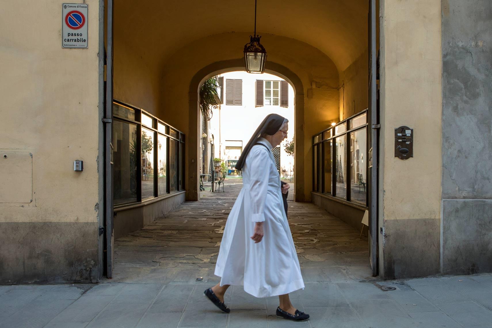 Art and Documentary Photography - Loading Italy5.jpg