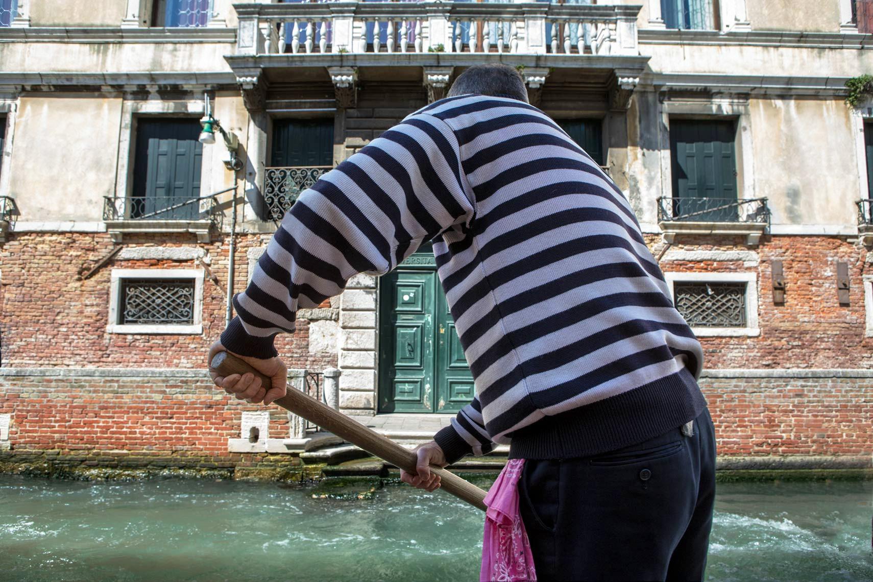 Art and Documentary Photography - Loading Italy7.jpg