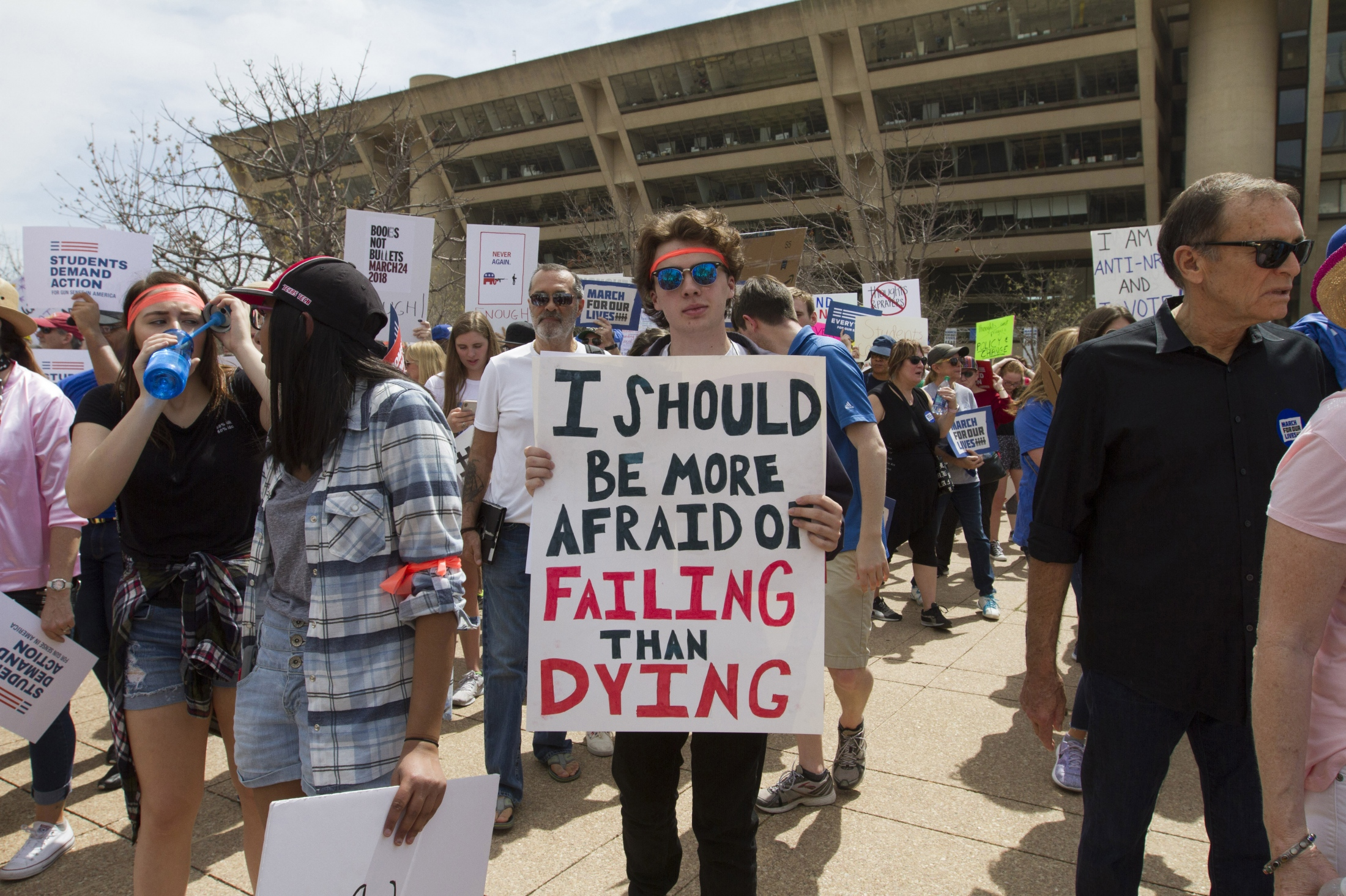 Art and Documentary Photography - Loading Marchforourlives_Dallas21A.jpg