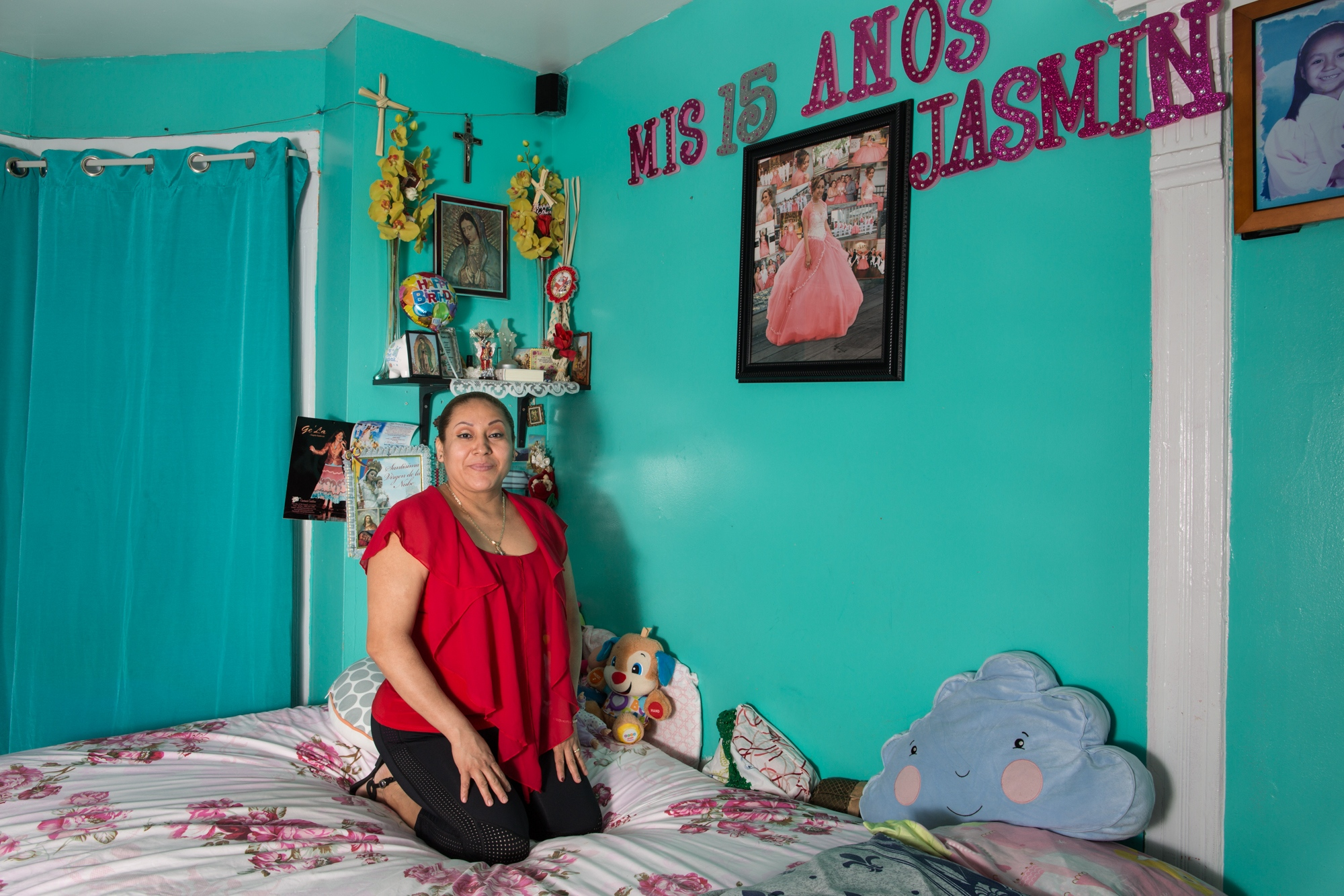 Paulina Garcia , is from the community of San Juan Tianguismaninalco of the state of Puebla,  she has been in New York for 20 Years. Paulina has one grand daughter born in the United States. She is a hairstylist. She lives in Brooklyn, New York. She is 50 years old.