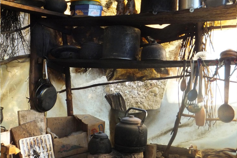 Esta es la cocina del Alfonso, de mi vecino y me gusta porque están sus cosas.