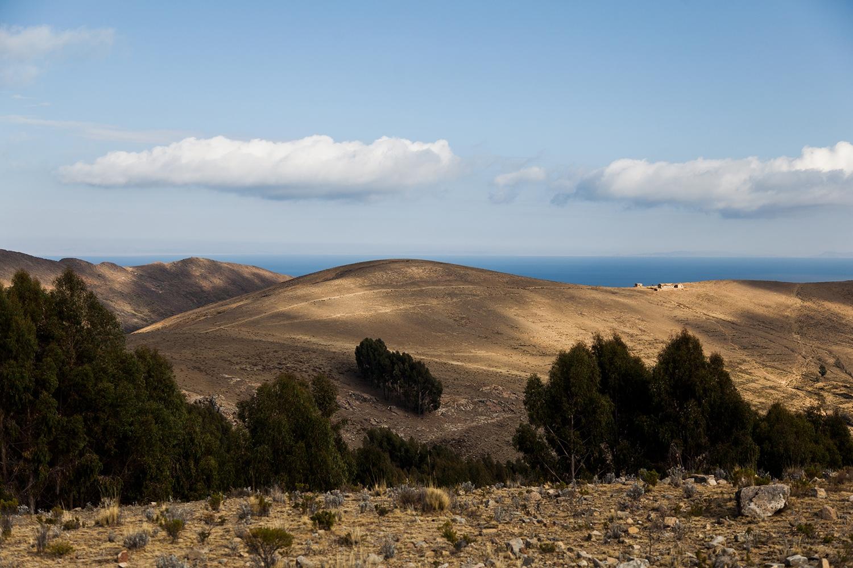 Pachiri: He elegido el cerro del calvario, donde hacen el ajayo de los vientos, la reunión. Y el Pachiri es el que ordena para que las montañas hagan su gestión.