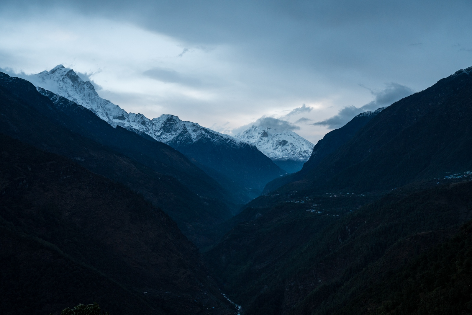 Looking into the Solokhumbu Valley.