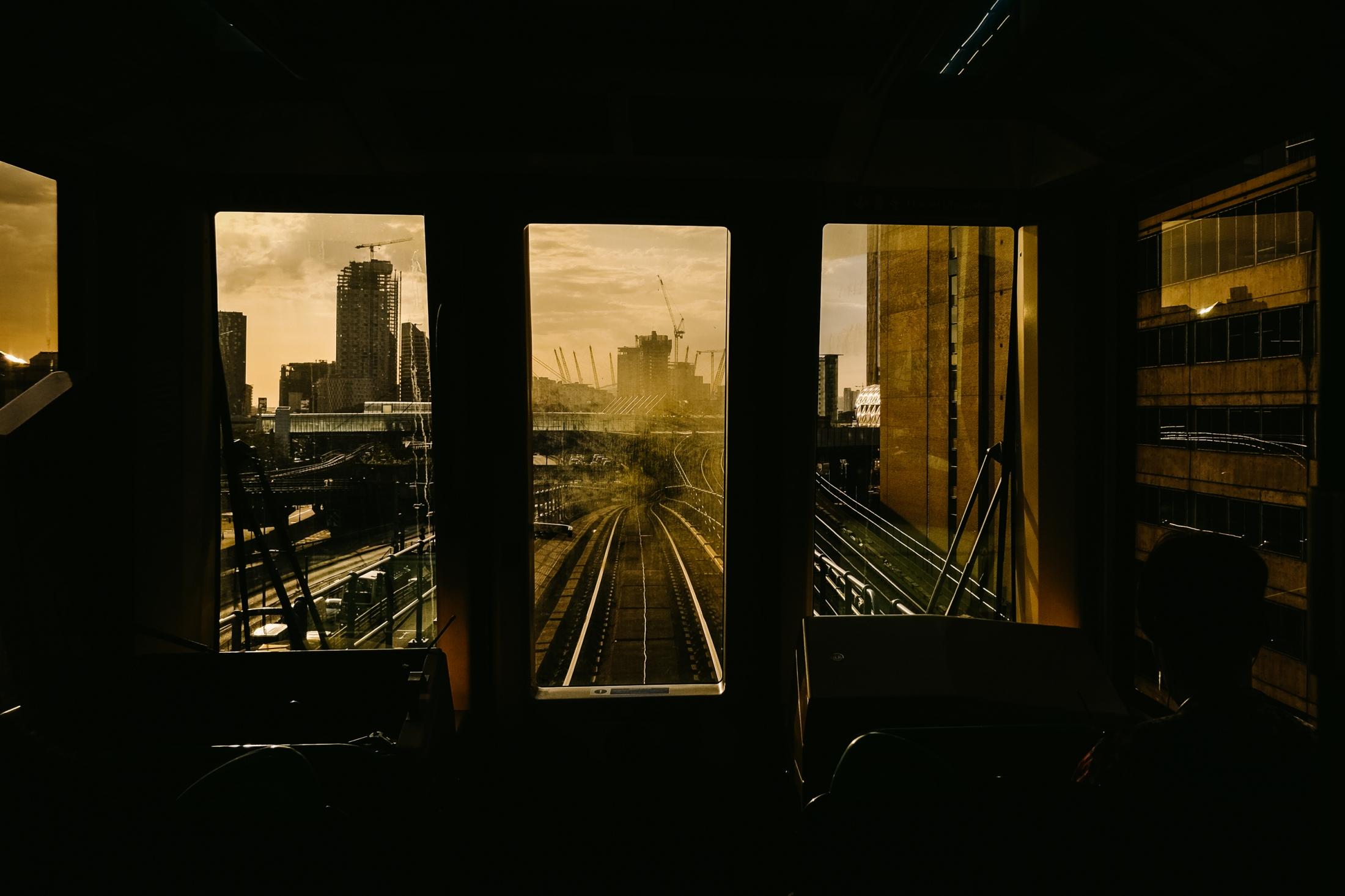Art and Documentary Photography - Loading documenting_east_london015.jpg