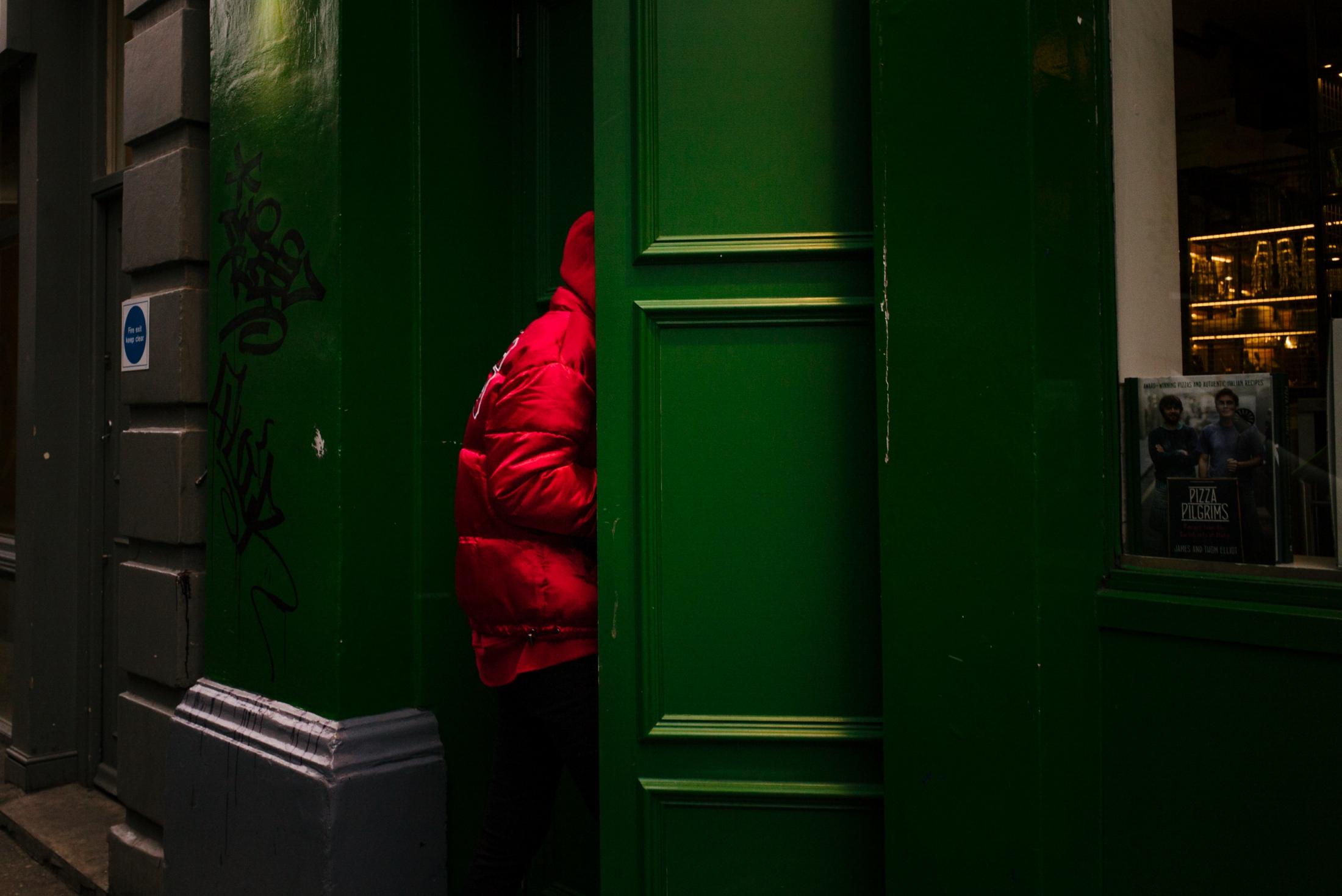 Art and Documentary Photography - Loading documenting_east_london031.jpg