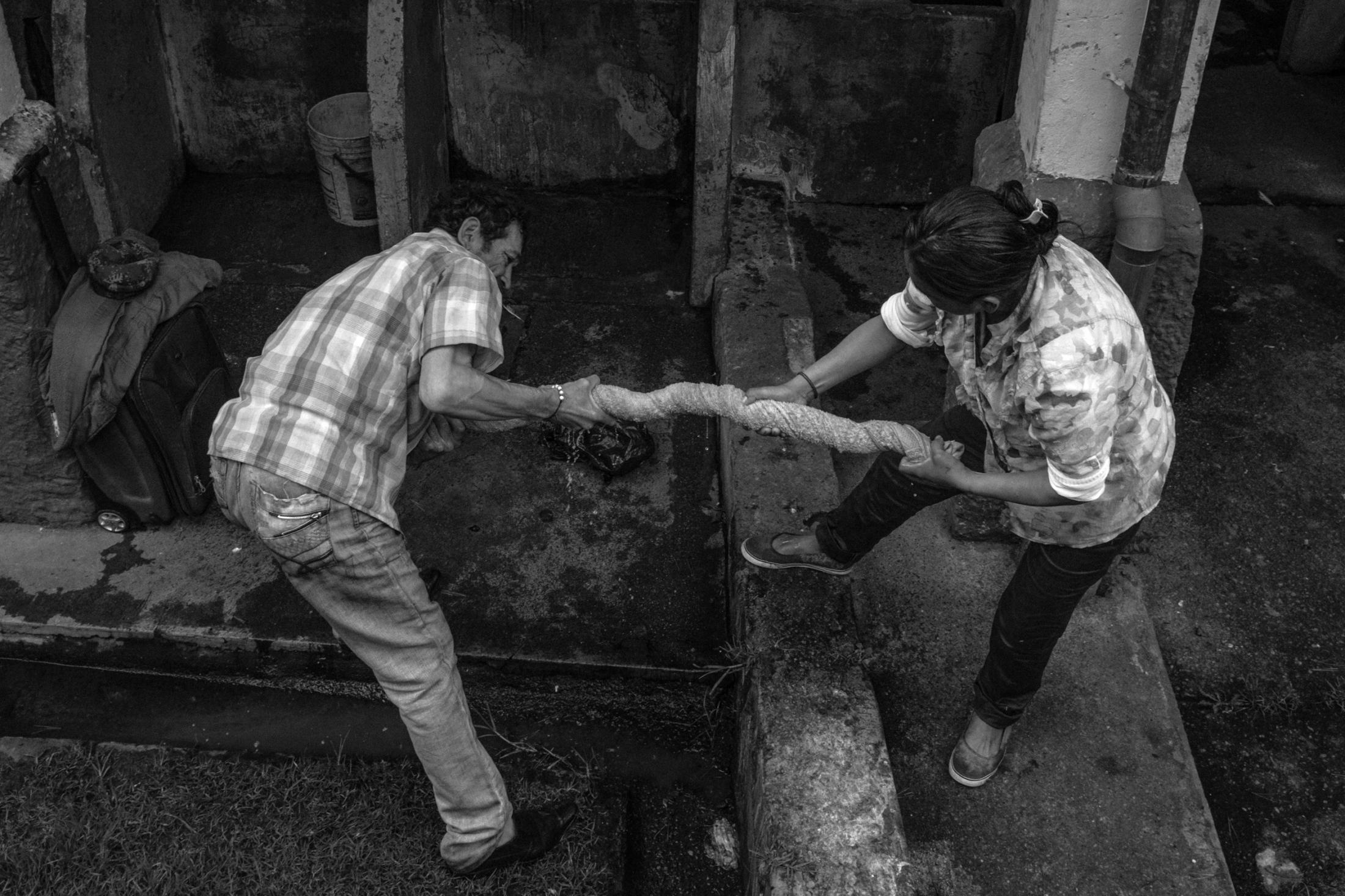 Art and Documentary Photography - Loading ZuletaR__os_CarangasYElJaguar_013.JPG