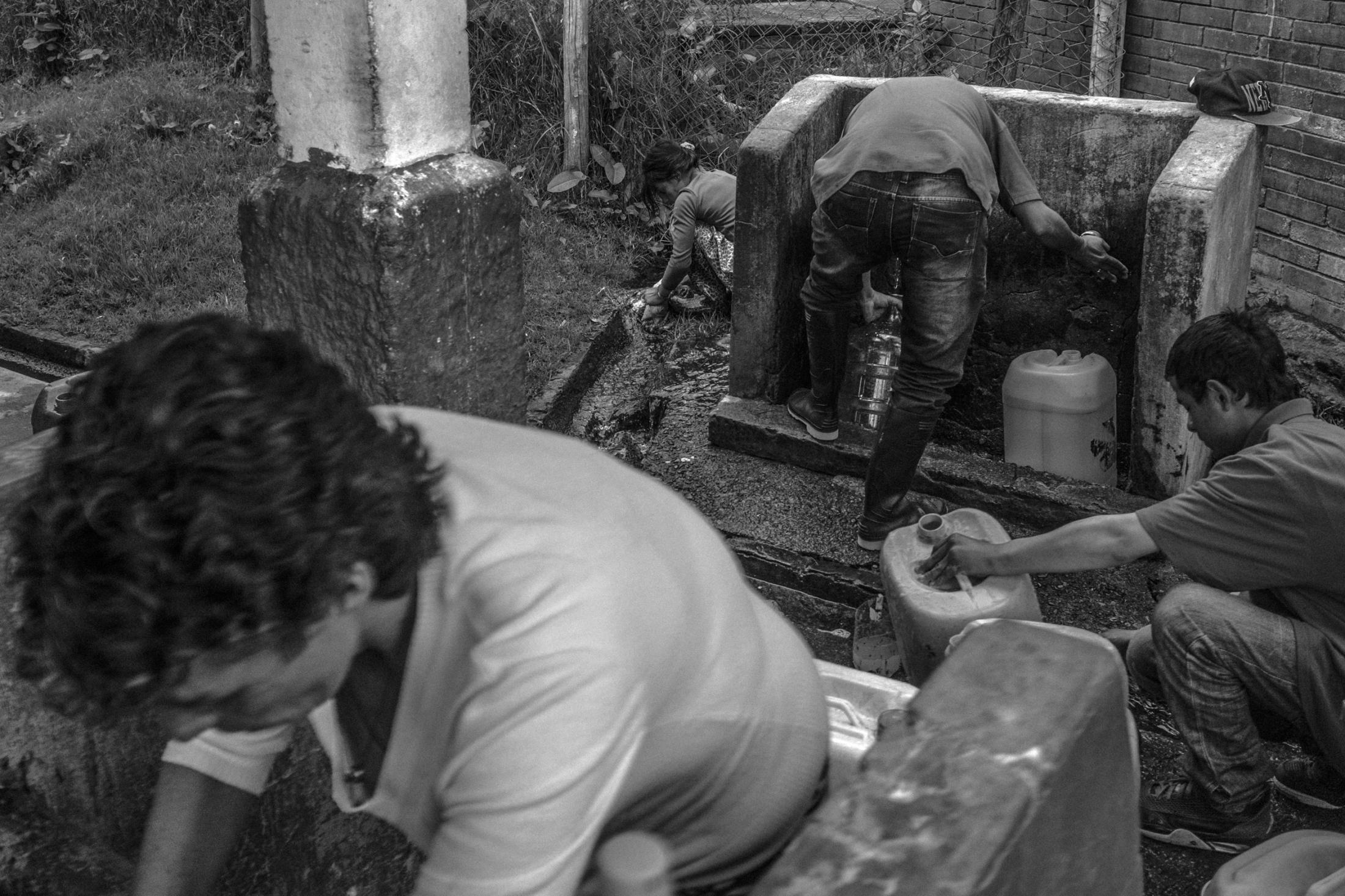 Art and Documentary Photography - Loading ZuletaR__os_CarangasYElJaguar_014.JPG
