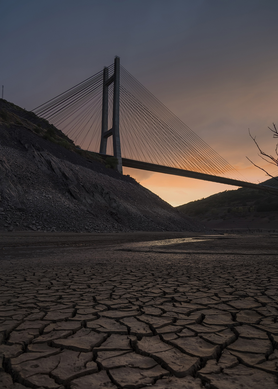 Sequía en Pantano de Luna. León. (España)