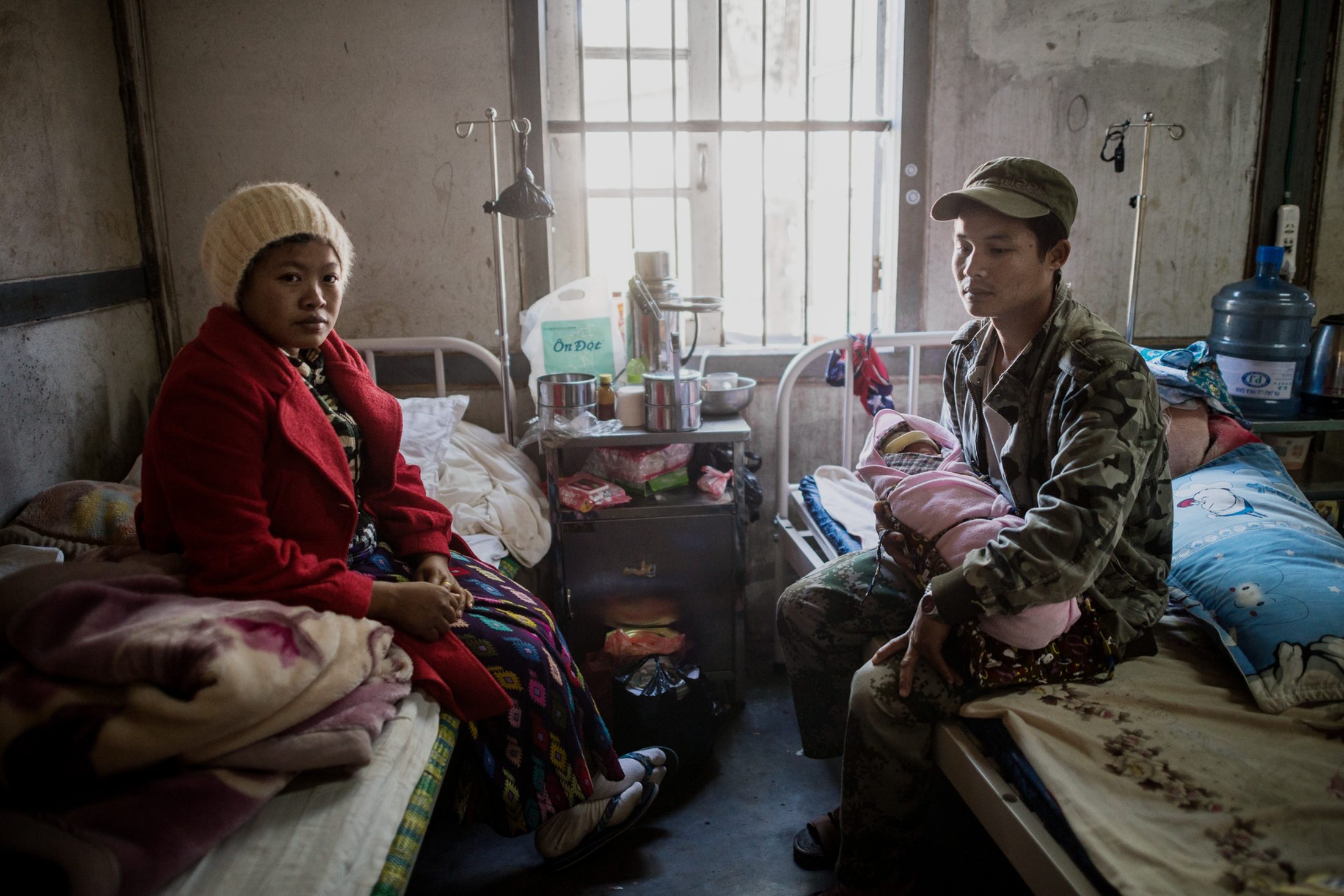 Gun Htang Hkawn Nan and Lahtaw Naw Ja with their newborn second son, Lahtaw Seng Naw Sut, at the Laiza Civil Hospital Maternity Ward. Both parents are employed in the Kachin Independence Army, the armed wing of the Kachin Independence Organisation, which have been fighting for autonomy in Kachin for about 60 years. Hkwan Nan says she is split about her children taking part in the fighting. – As a mother i worry about my sons being in danger, but at the same time, i would be proud for them fighting for our people and country.
