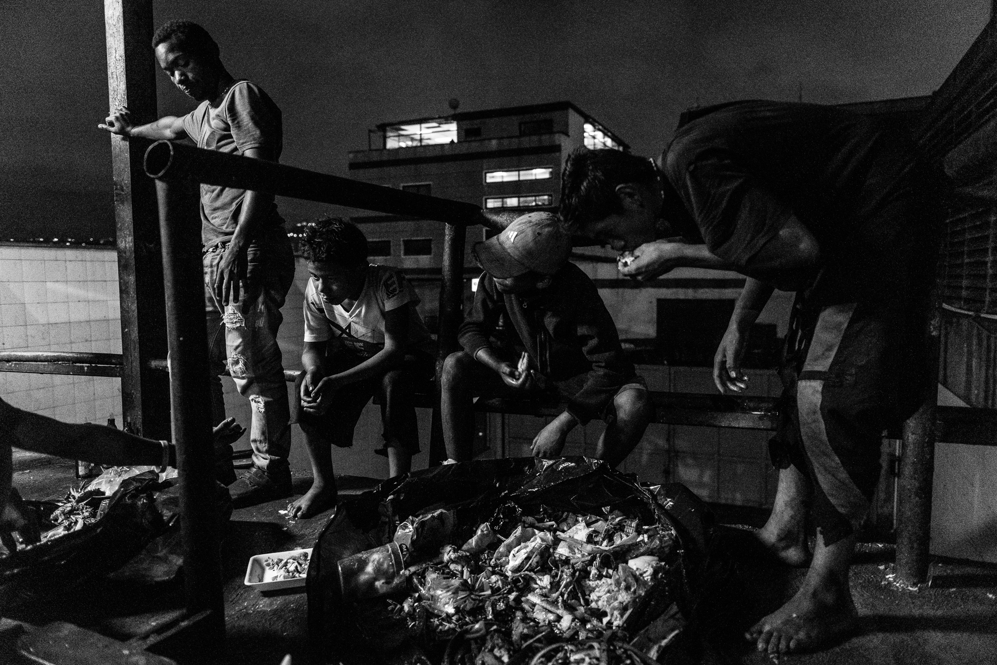 Art and Documentary Photography - Loading Caracas-15.jpg