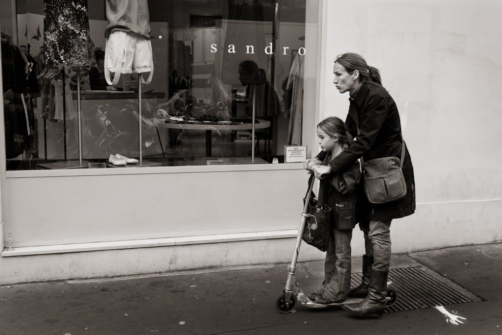 Art and Documentary Photography - Loading Paris09.jpg