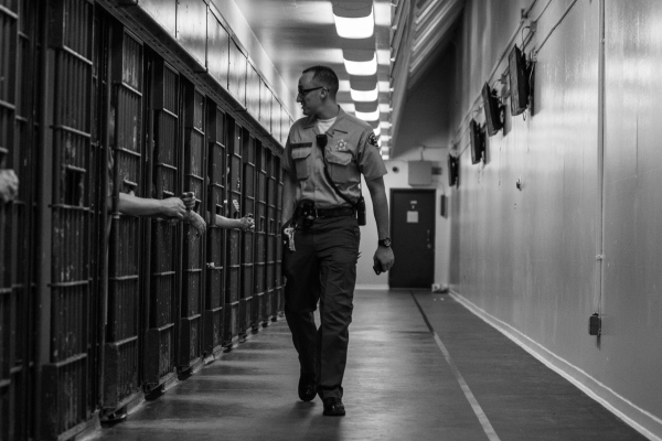 LA Counties Deputies have to check on inmates every 30 minutes.