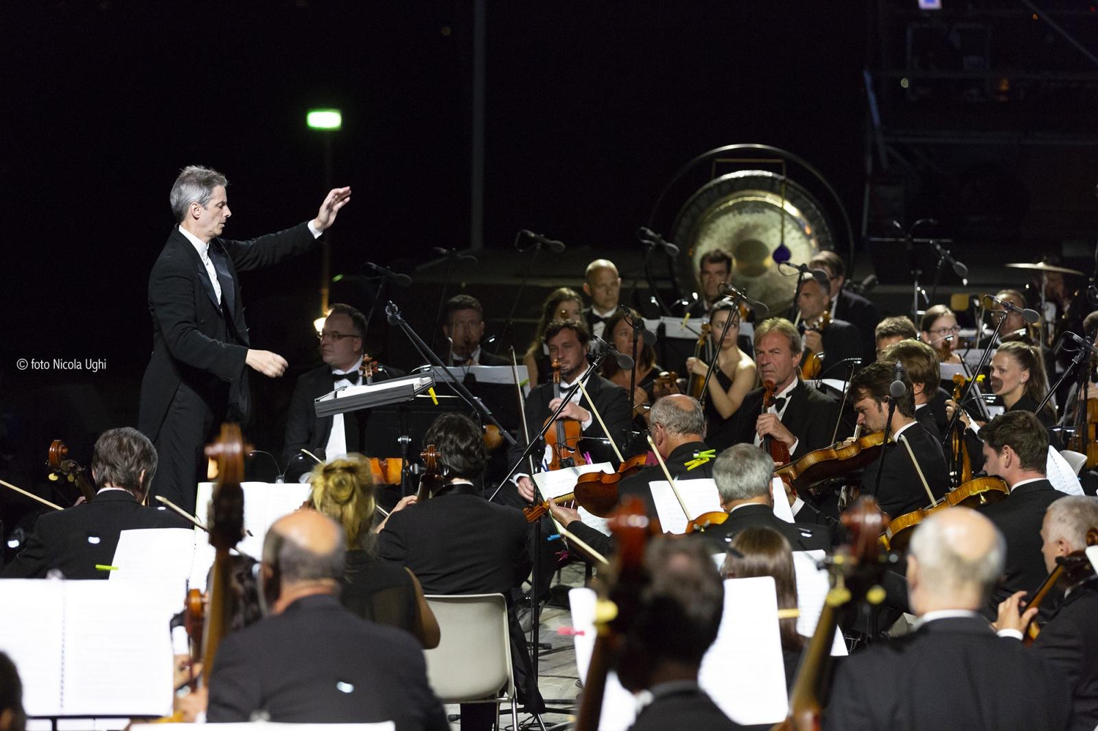 Maestro Steven Mercurio and the Symphonic Orchestra - Czech Republic