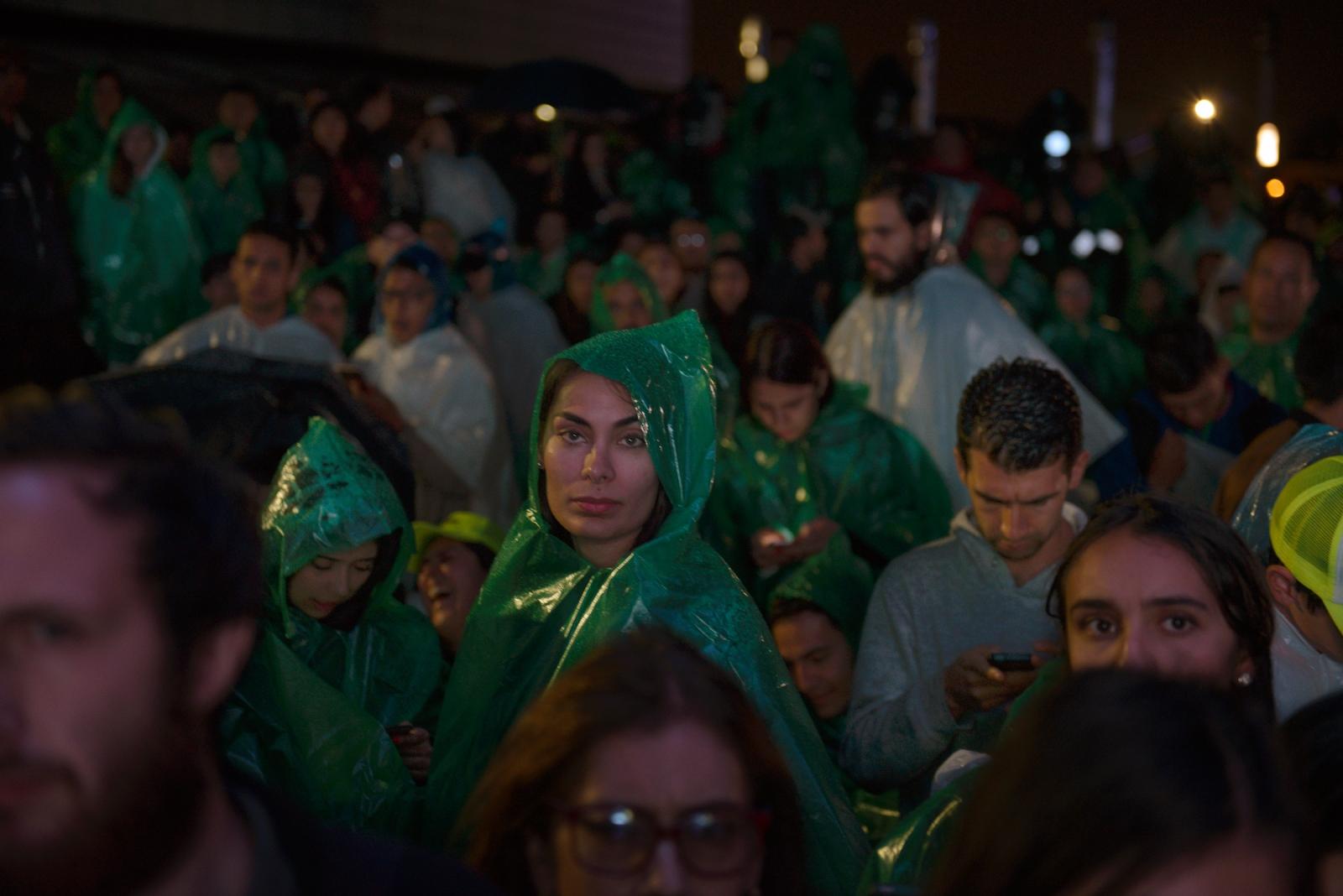 (EN) May 27, 2018 - Bogota, Colombia. Supporters of presidential candidate Sergio Fajardo during the end of the first round of the 2018 presidential elections. (ES) 27 de mayo 2018 - Bogotá, Colombia. Partidarios del candidato presidencial Sergio Fajardo al término de la primera vuelta de elecciones presidenciales 2018.