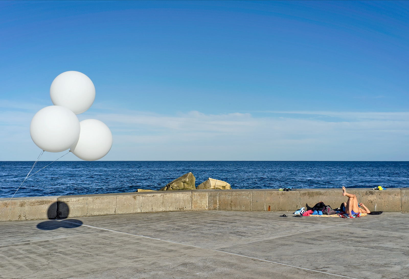 Clovelly beach, balloons