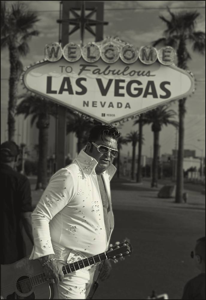 """Elvis"" Mark702 at the famous ""Welcome to Las Vegas"" sign Las Vegas, Nevada, USA. Labor day morning 2018."