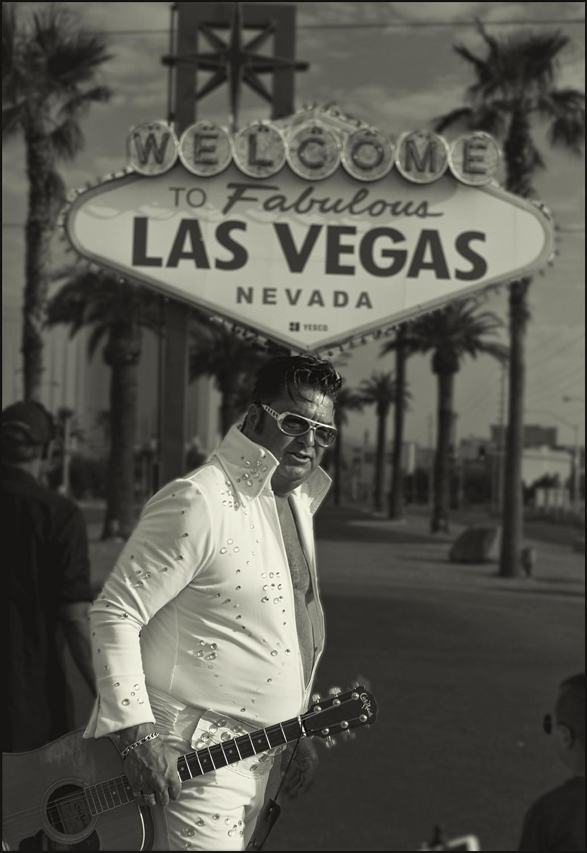 Art and Documentary Photography - Loading Elvis_LV_Mark702.PLTv1.jpg