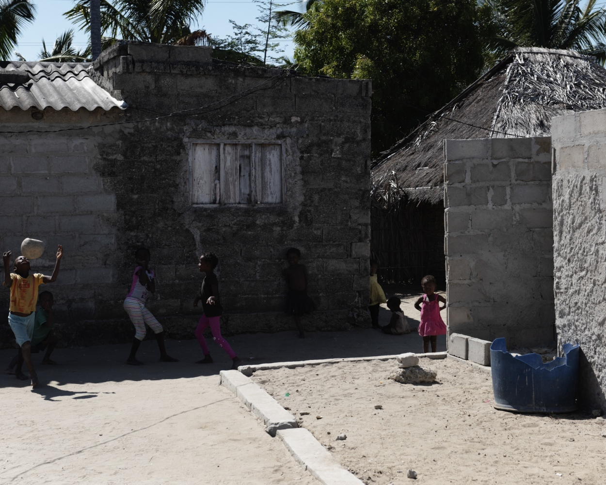 A view of a fishermen village near Ilha de Mozambique. Most of the fishermen of the village commerce in Sea Cucumbers travelling to Nacala or to Tanzania to sell the dried product.