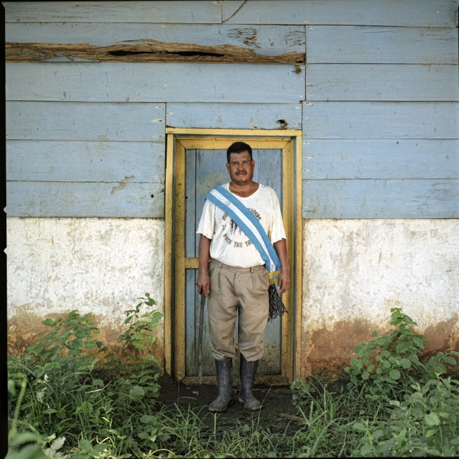 Art and Documentary Photography - Loading Diablo - Campesino.JPG