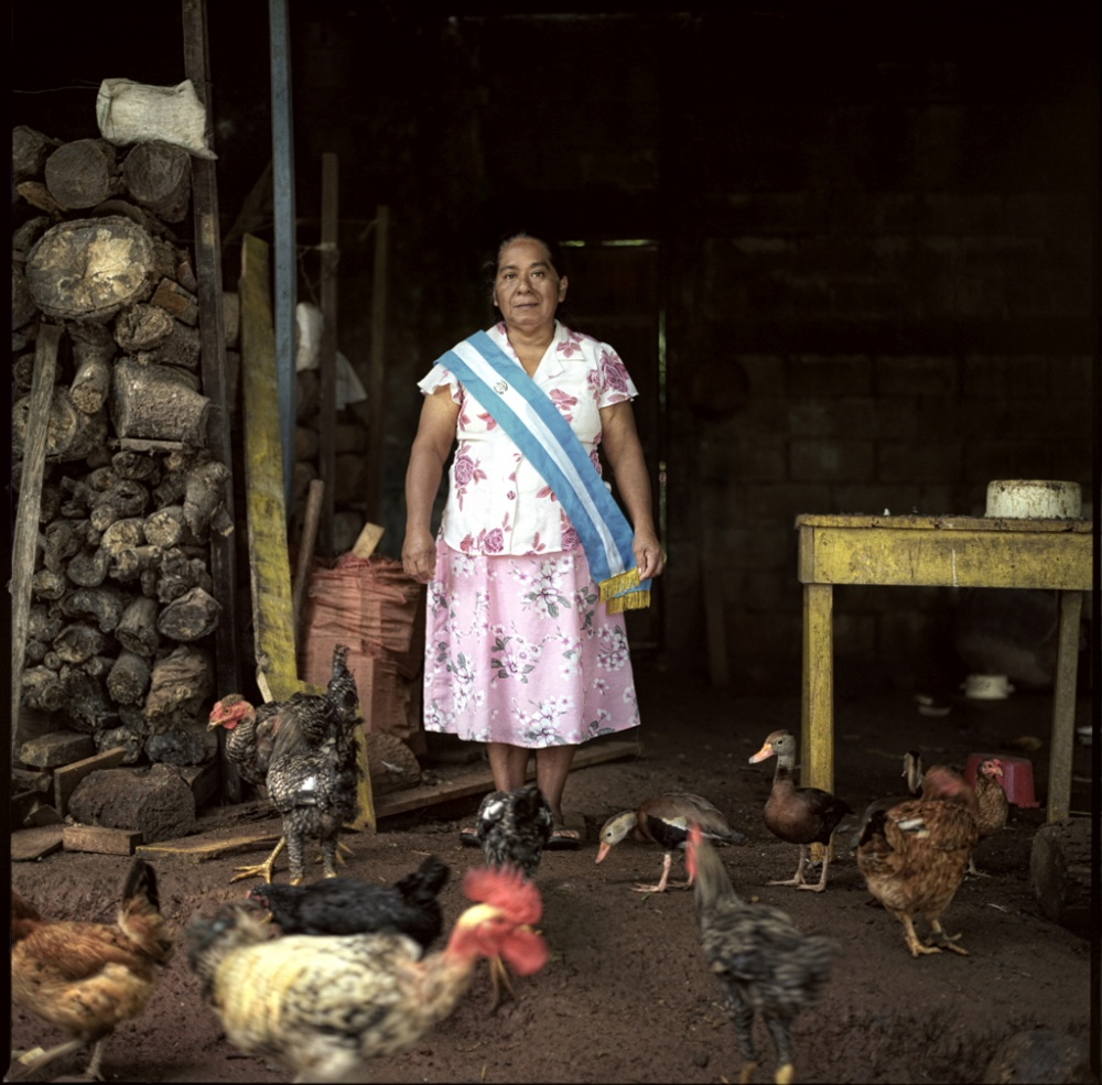 Art and Documentary Photography - Loading Maria - Cocinera.JPG